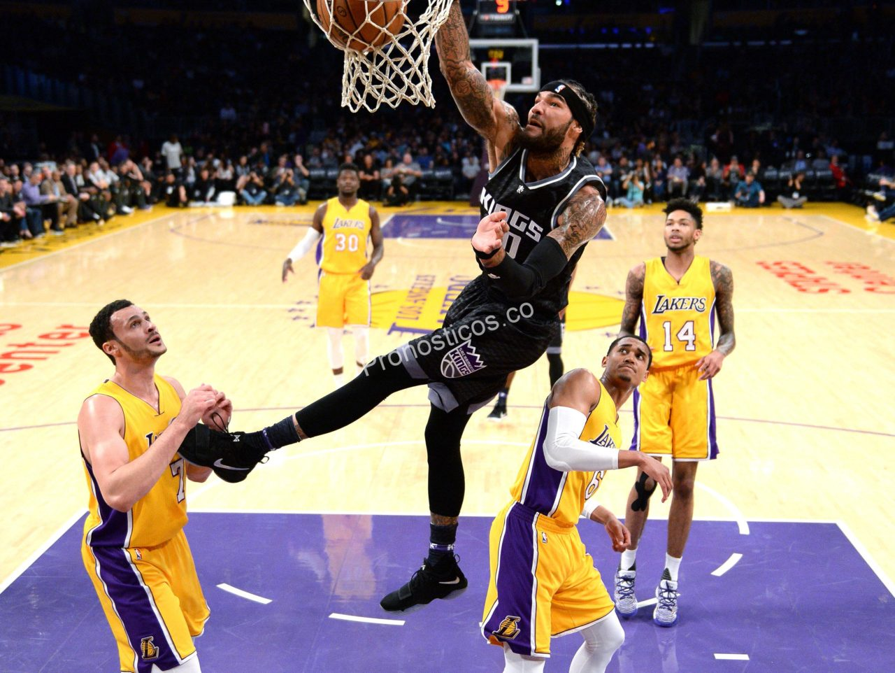 Sacramento Kings	 vs 	Los Angeles Lakers Prediccion